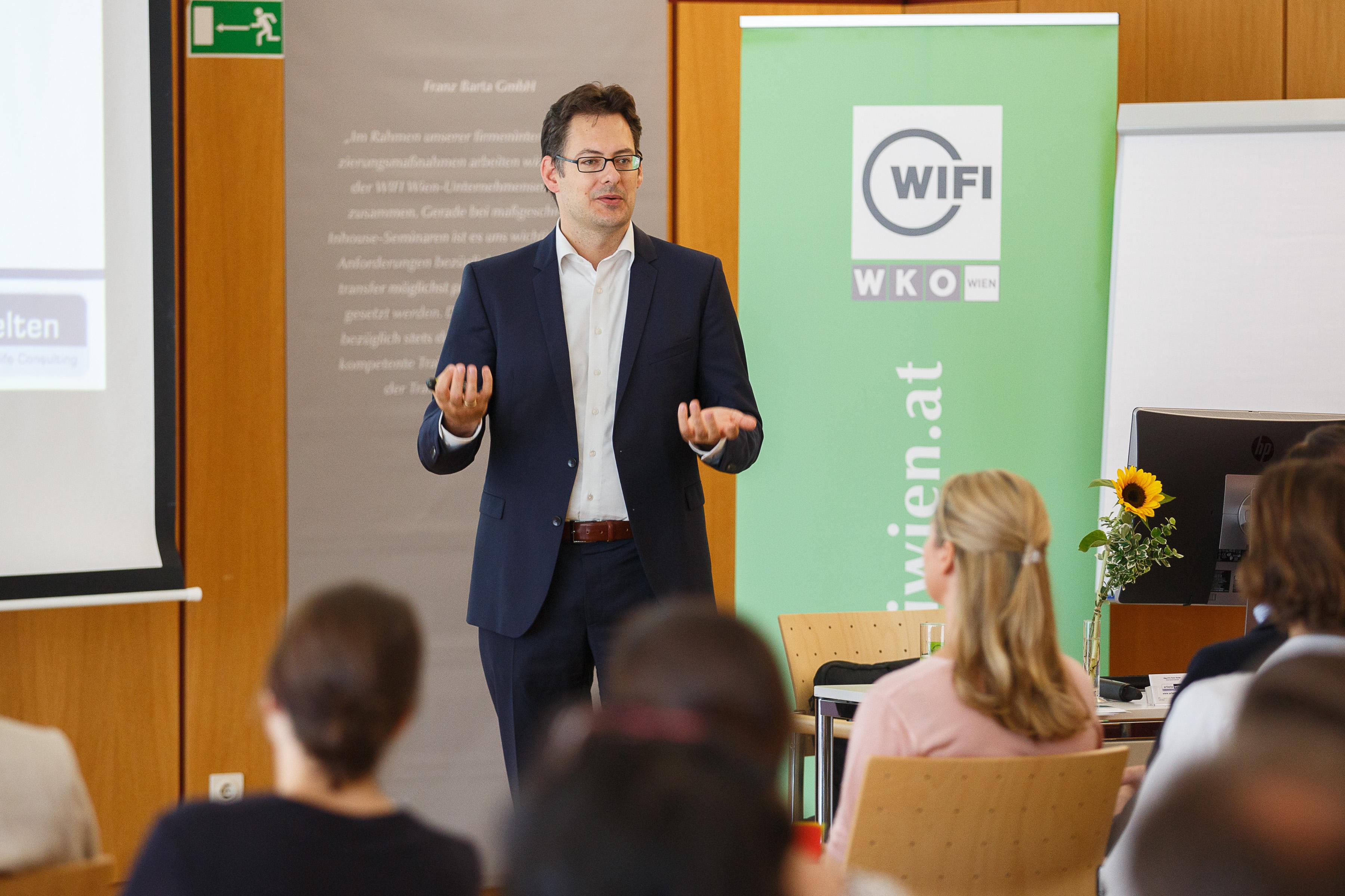 wifi - BB Familienfreundlichkeit im Betrieb -