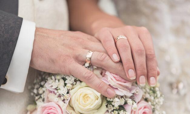 Große Freude trotz kleiner Hochzeit